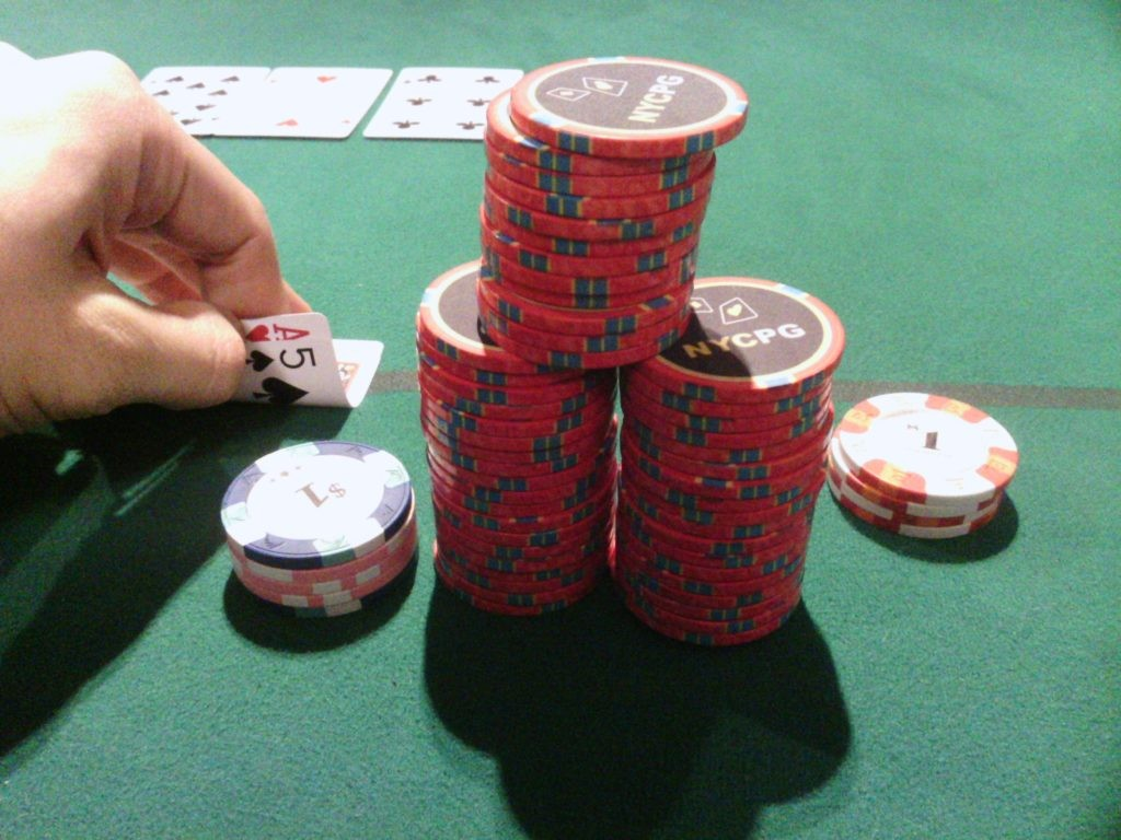 Come, Join the Live Poker Action.