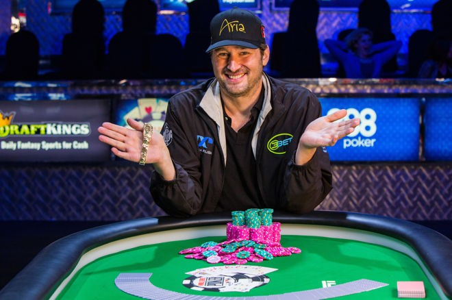 phil-hellmuth-gives-presidential-candidates-top-grades-in-thestreet