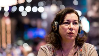 Jennifer Tilly and Shane Warne Survive Aussie Millions Day 1a
