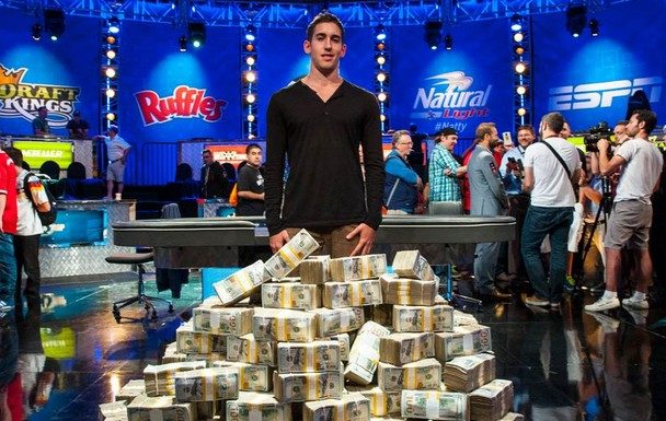 Ajay Chabra Leads 18 Finalists into WPT Five Diamond World Poker Classic $10,400 Main Event Penultimate Day